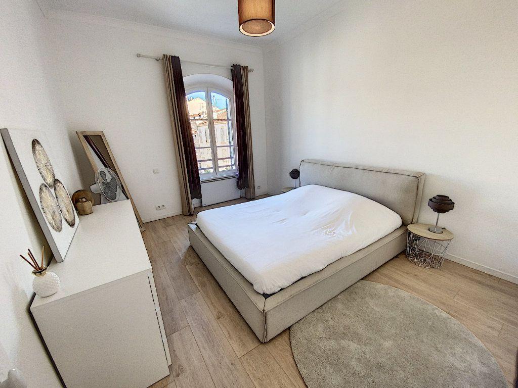 Appartement à vendre 4 91.4m2 à Cannes vignette-7