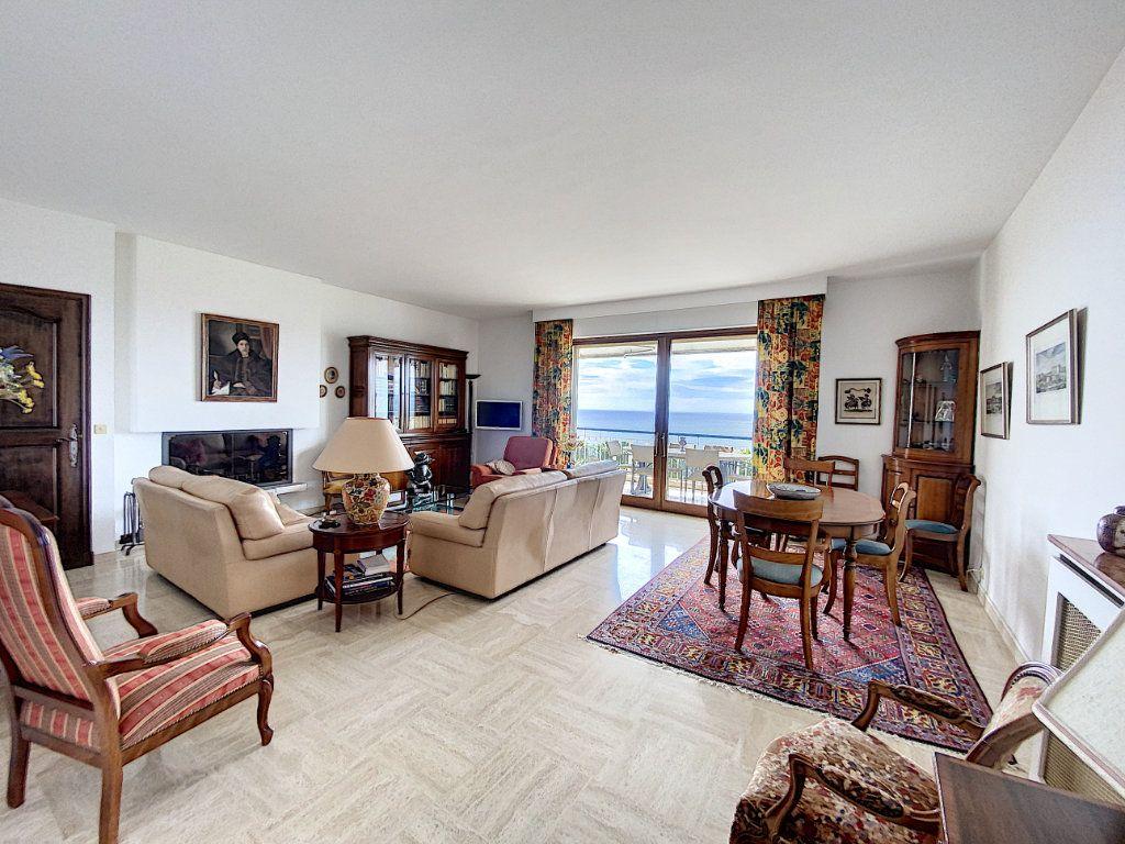 Appartement à vendre 3 91.4m2 à Cannes vignette-3