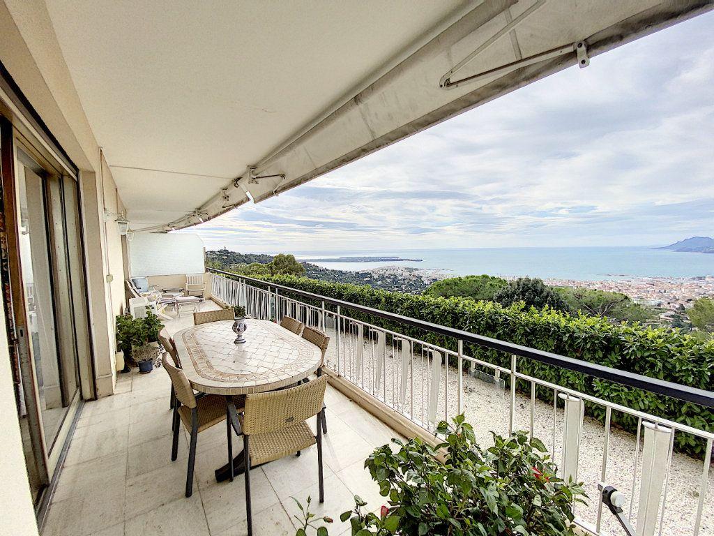 Appartement à vendre 3 91.4m2 à Cannes vignette-9
