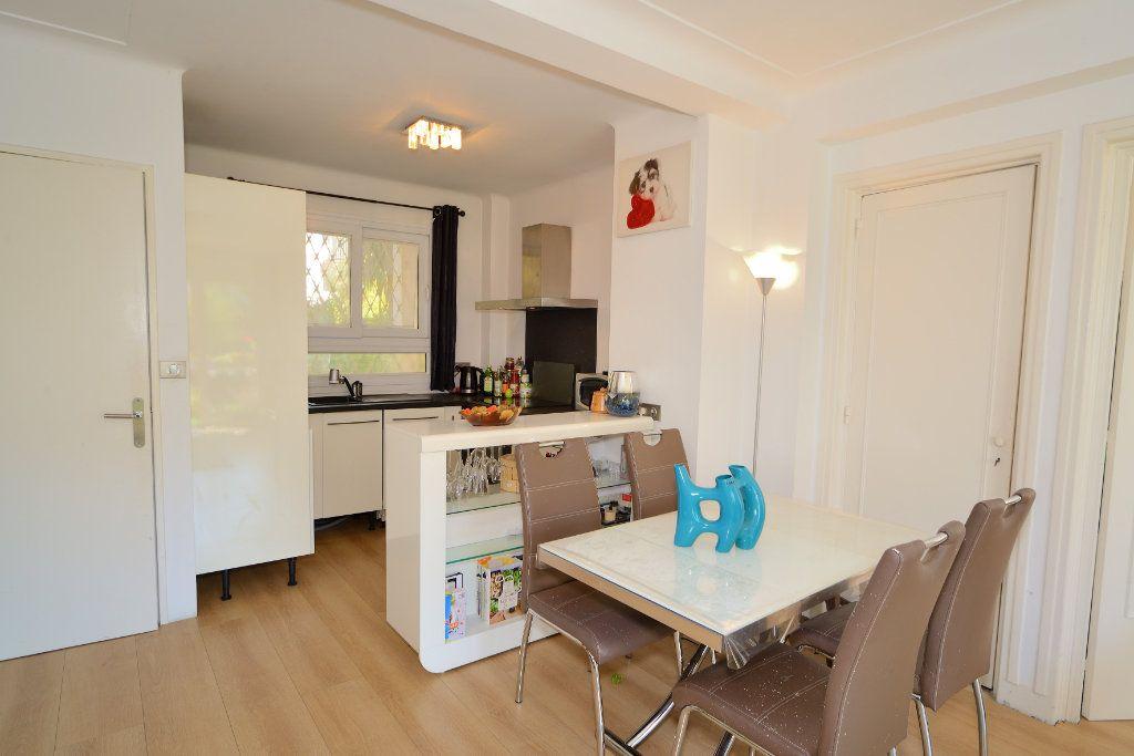Appartement à vendre 3 75m2 à Cannes vignette-5