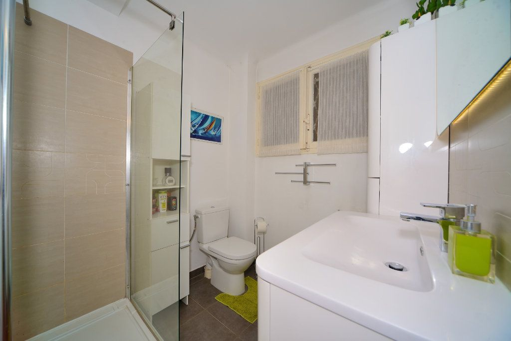 Appartement à vendre 3 75m2 à Cannes vignette-6