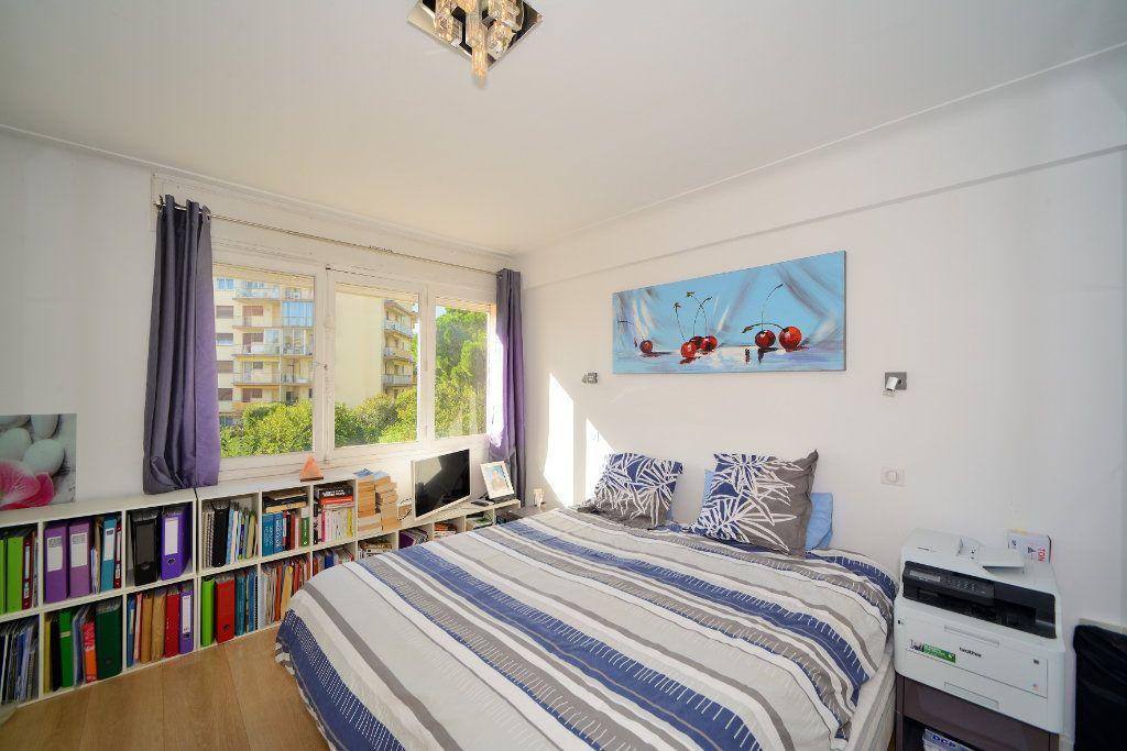 Appartement à vendre 3 75m2 à Cannes vignette-8