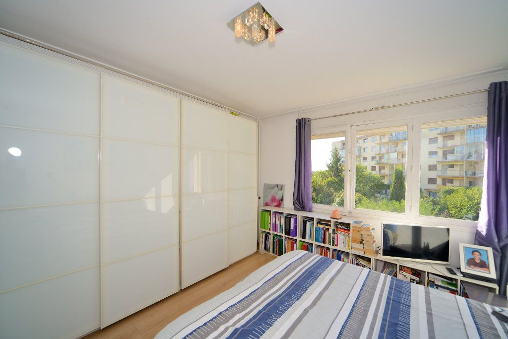 Appartement à vendre 3 75m2 à Cannes vignette-9