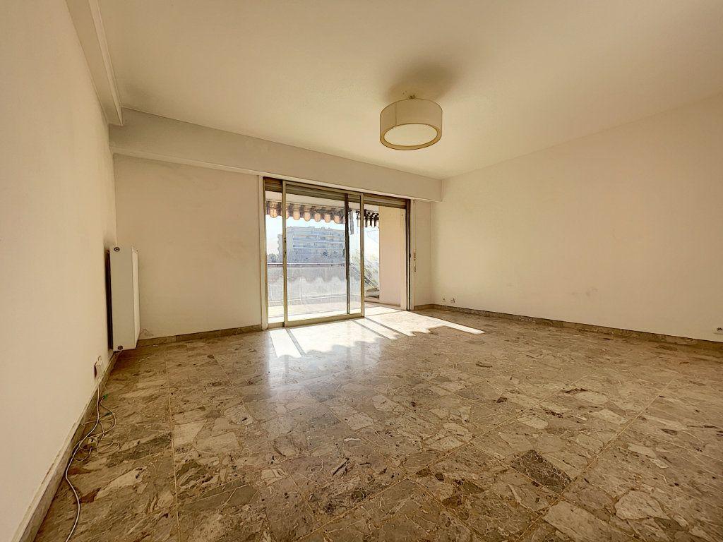 Appartement à vendre 3 68.24m2 à Cannes vignette-3