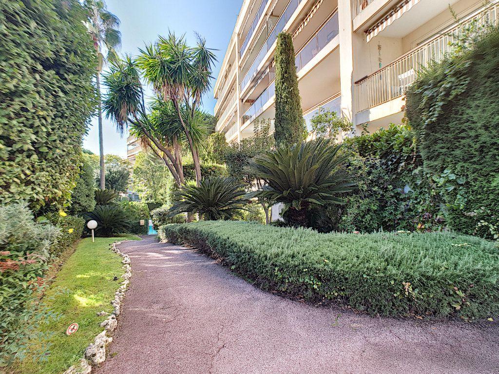 Appartement à vendre 3 68.24m2 à Cannes vignette-4