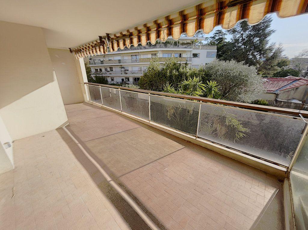 Appartement à vendre 3 68.24m2 à Cannes vignette-6