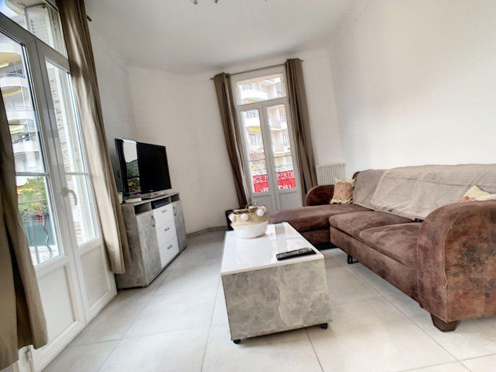 Appartement à vendre 2 34.1m2 à Cannes vignette-2