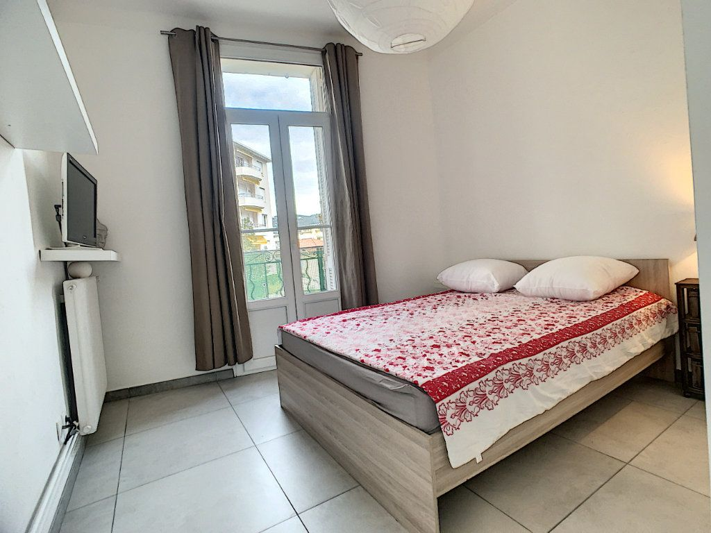 Appartement à vendre 2 34.1m2 à Cannes vignette-6