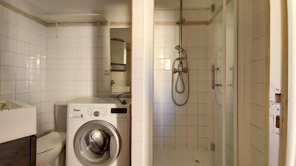 Appartement à vendre 1 20m2 à Cannes vignette-4