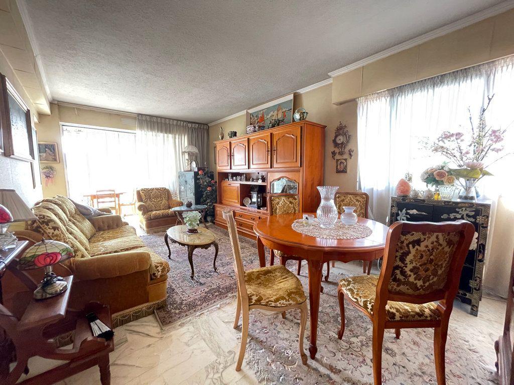 Appartement à vendre 4 92.2m2 à Cannes vignette-1