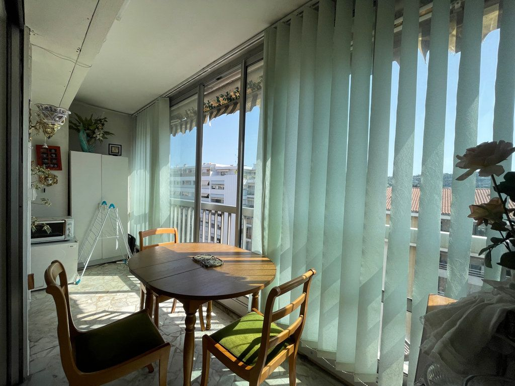 Appartement à vendre 4 92.2m2 à Cannes vignette-4