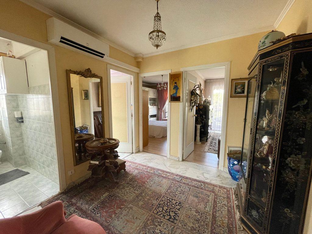 Appartement à vendre 4 92.2m2 à Cannes vignette-7