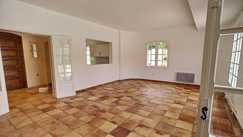 Maison à vendre 5 163.67m2 à Mougins vignette-1