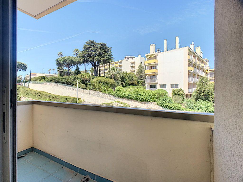 Appartement à vendre 3 76.81m2 à Cannes vignette-7