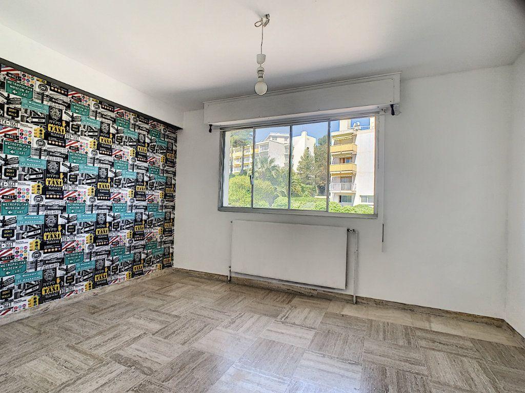 Appartement à vendre 3 76.81m2 à Cannes vignette-12