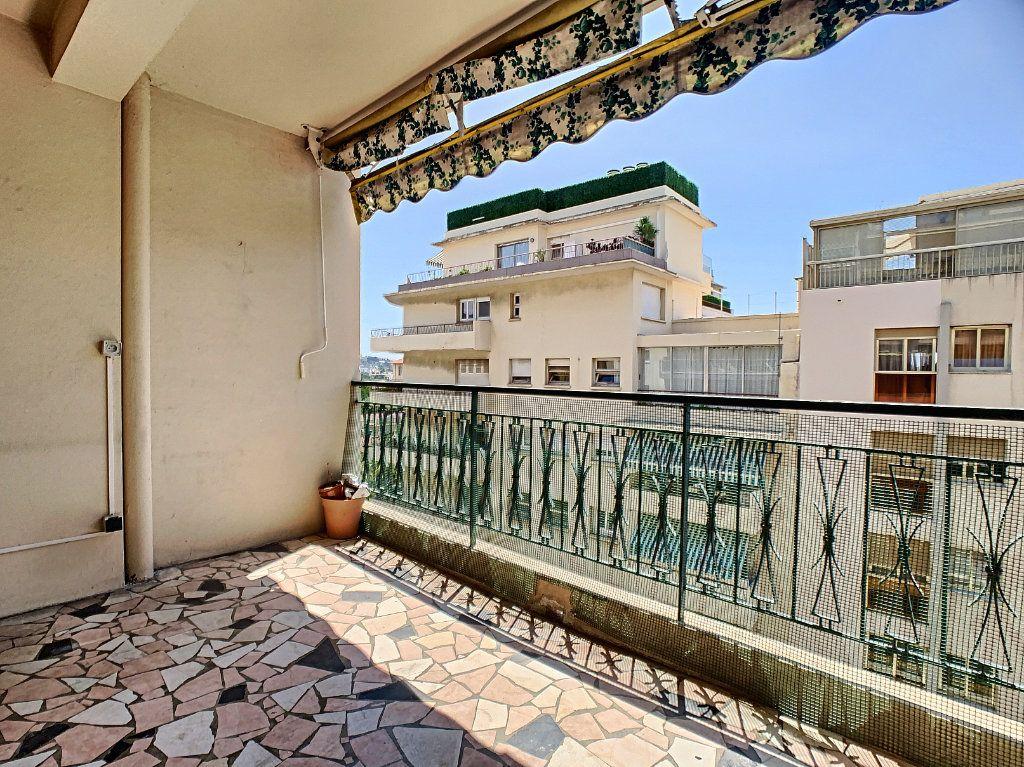 Appartement à louer 2 51.3m2 à Cannes vignette-1