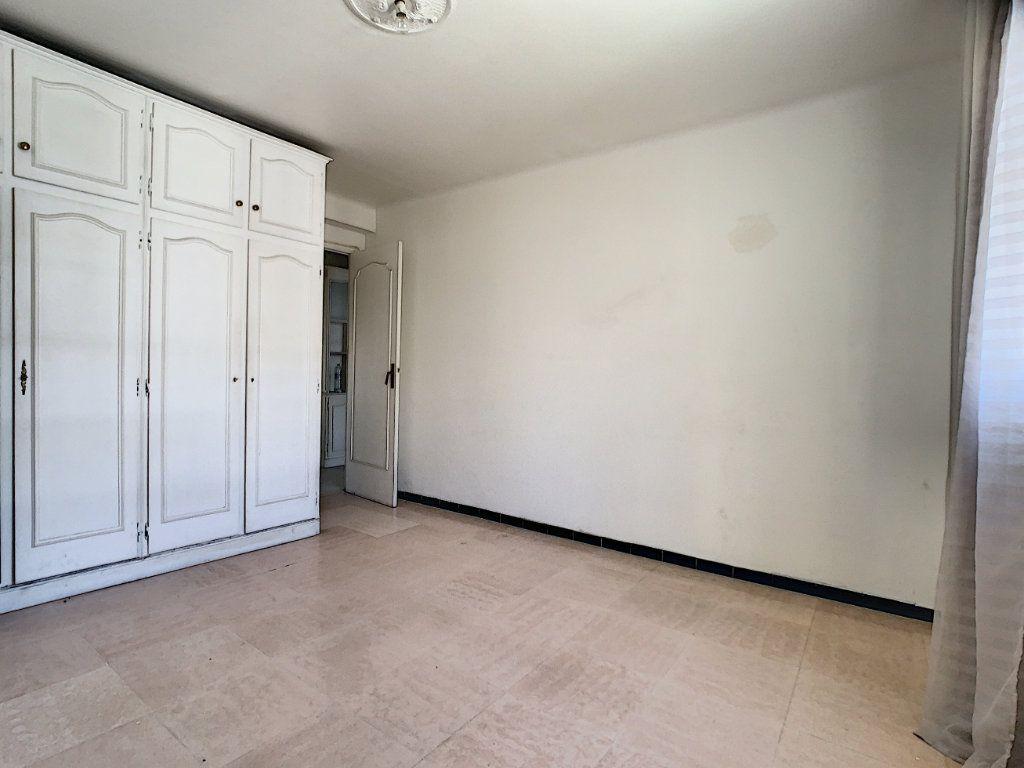 Appartement à louer 2 51.3m2 à Cannes vignette-6