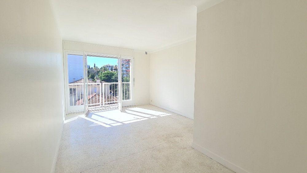 Appartement à vendre 2 45.1m2 à Cannes vignette-1