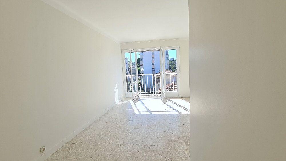 Appartement à vendre 2 45.1m2 à Cannes vignette-2