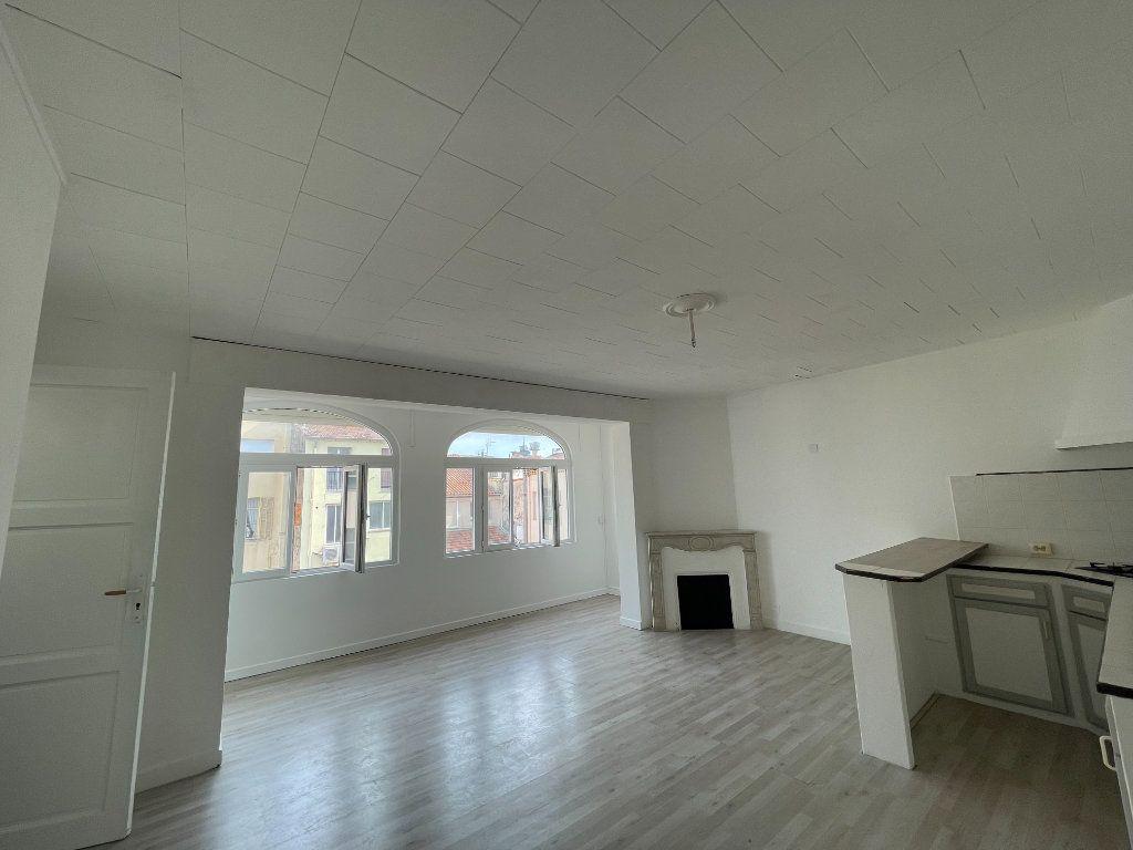 Appartement à vendre 2 46m2 à Cannes vignette-2