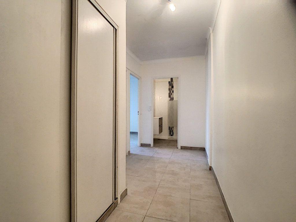 Appartement à louer 1 36.06m2 à Cannes vignette-4