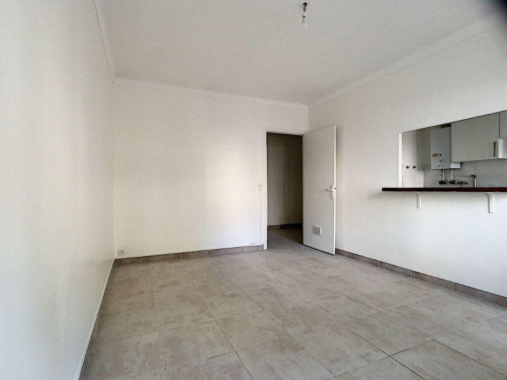 Appartement à louer 1 36.06m2 à Cannes vignette-5