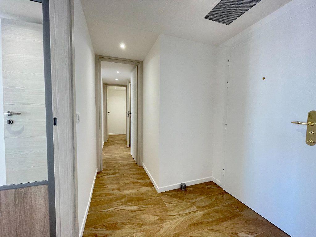 Appartement à vendre 3 70.06m2 à Cannes vignette-5