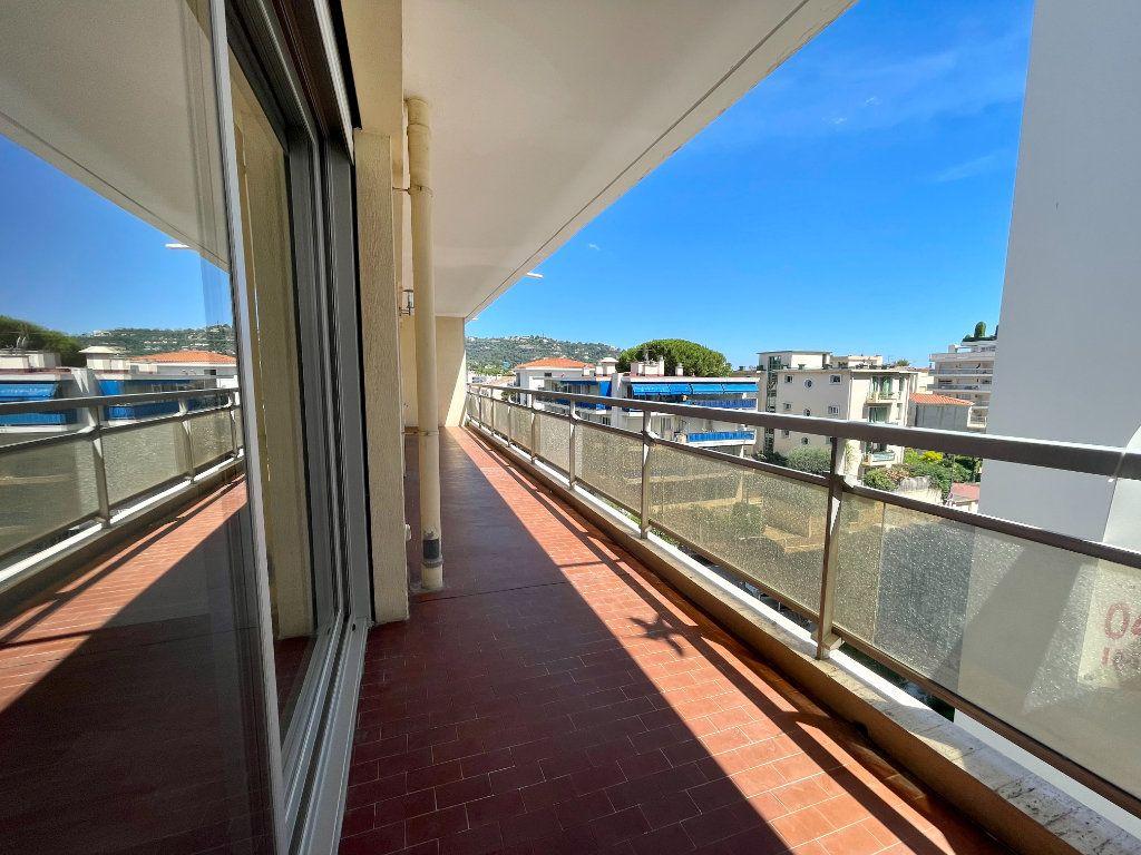 Appartement à vendre 3 70.06m2 à Cannes vignette-14