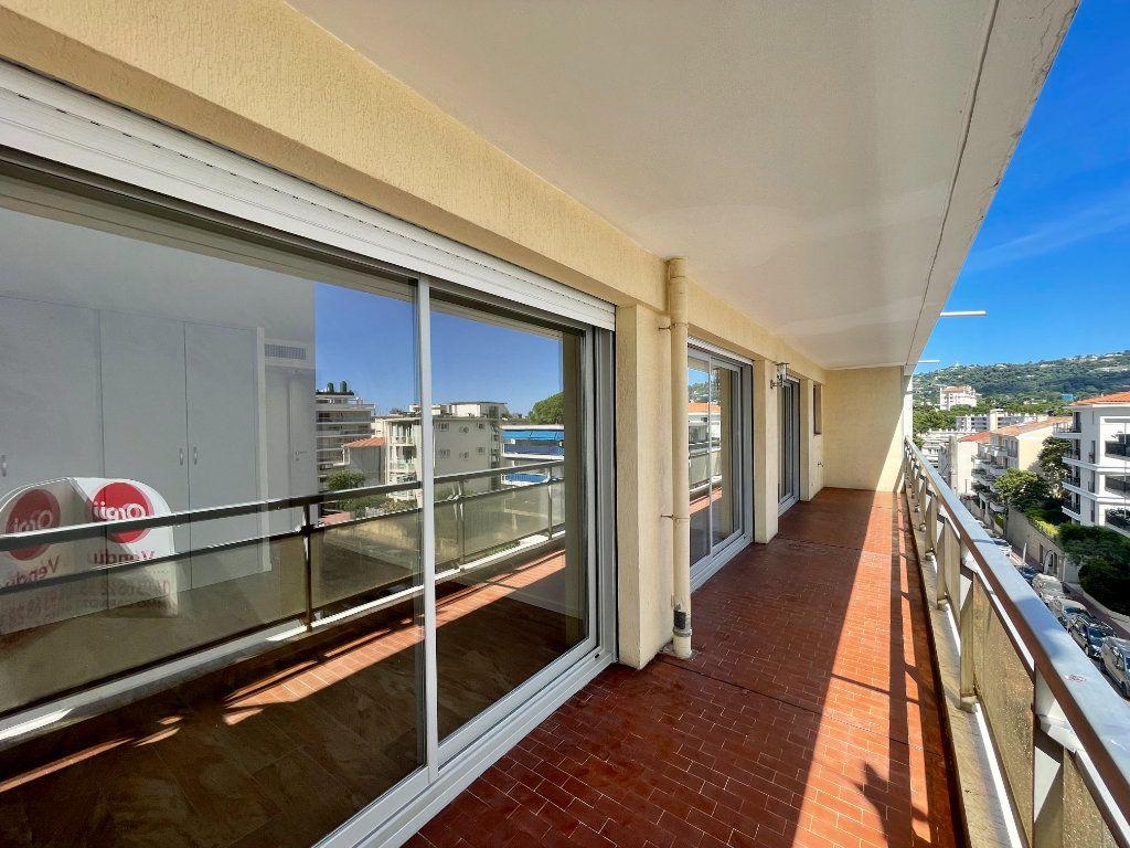 Appartement à vendre 3 70.06m2 à Cannes vignette-15