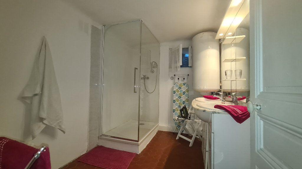 Appartement à louer 3 56.62m2 à Cannes vignette-3