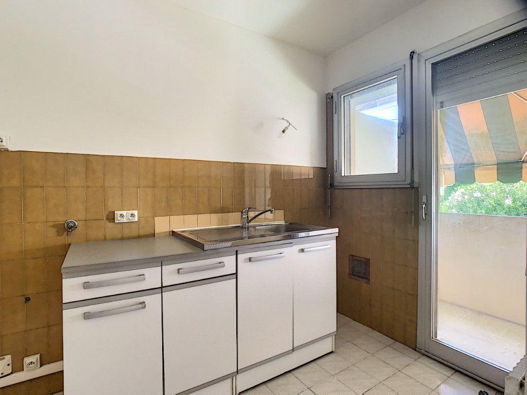 Appartement à louer 1 29.24m2 à Cannes vignette-3