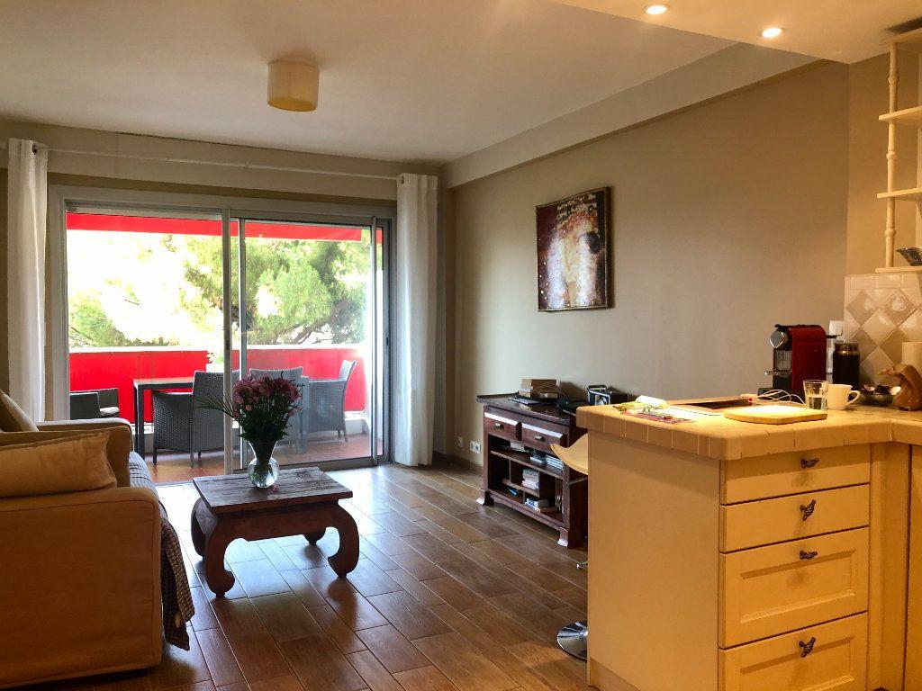 Appartement à vendre 2 37.56m2 à Cannes vignette-4
