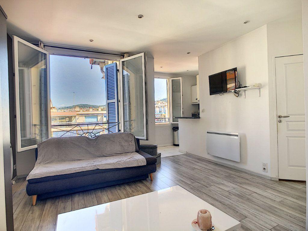 Appartement à vendre 1 30m2 à Cannes vignette-2