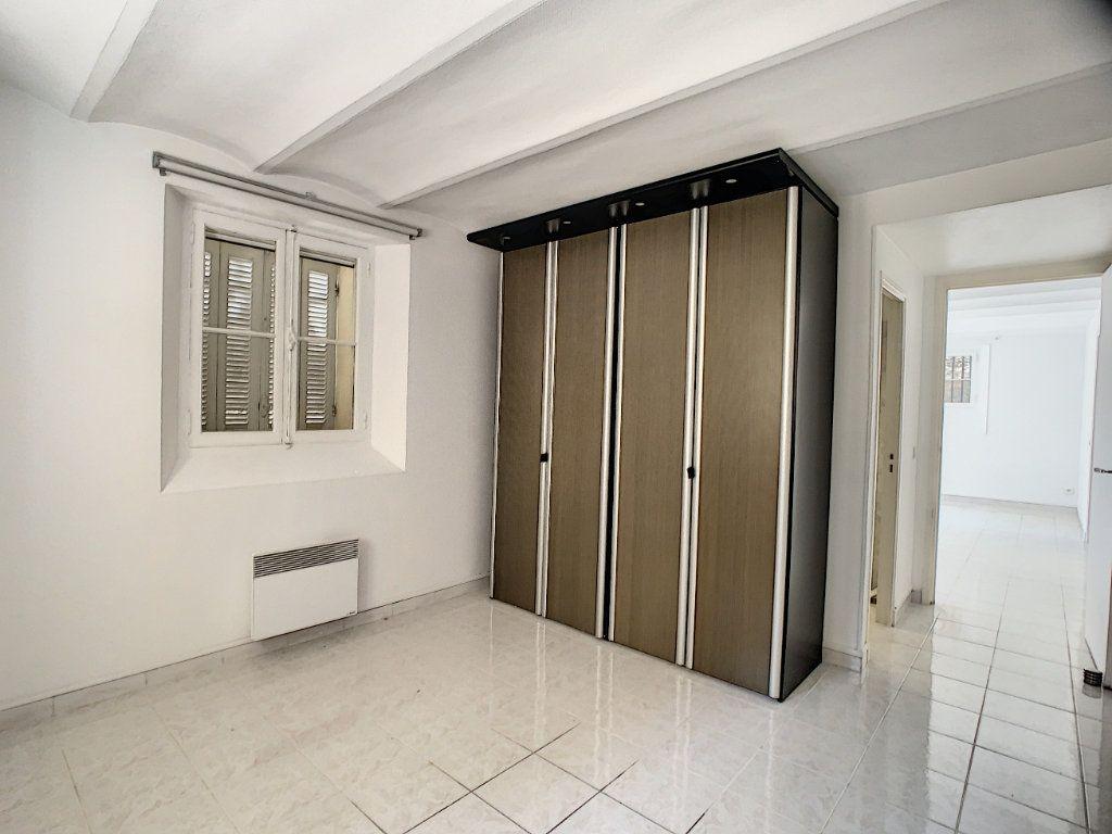 Appartement à louer 3 82.22m2 à Cannes vignette-13