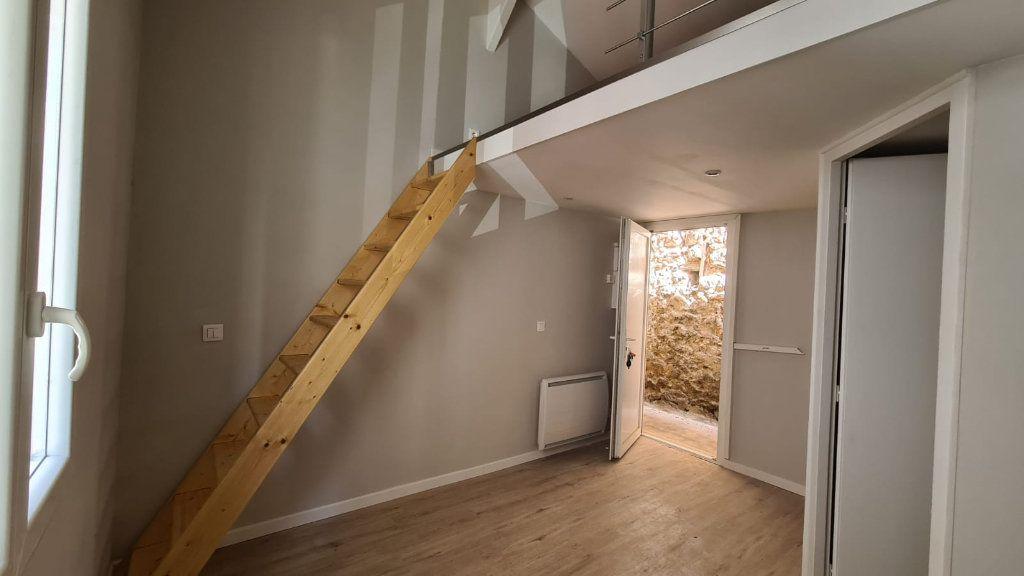 Appartement à louer 1 20m2 à Cannes vignette-2