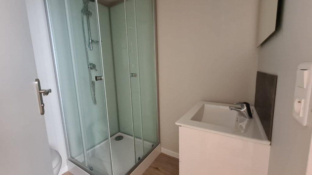 Appartement à louer 1 20m2 à Cannes vignette-3