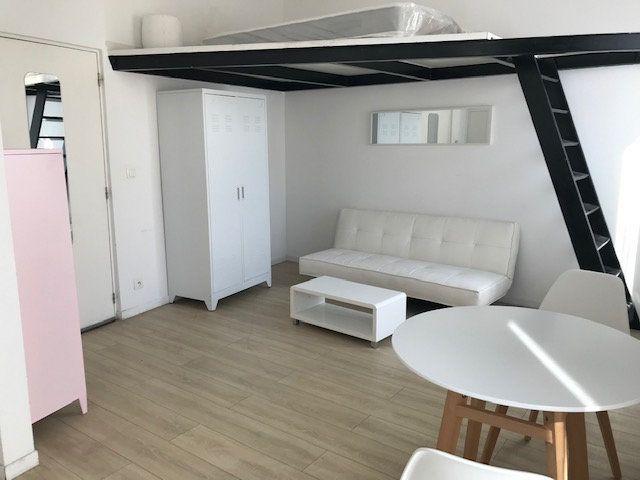 Appartement à louer 1 22.17m2 à Cannes vignette-1