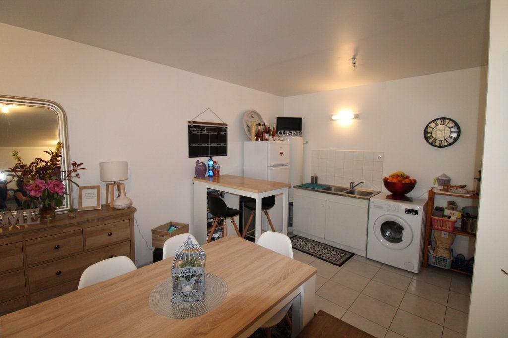 Appartement à louer 2 57m2 à Chauny vignette-4