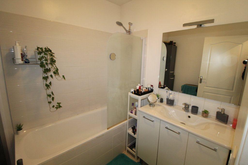 Appartement à louer 2 57m2 à Chauny vignette-6