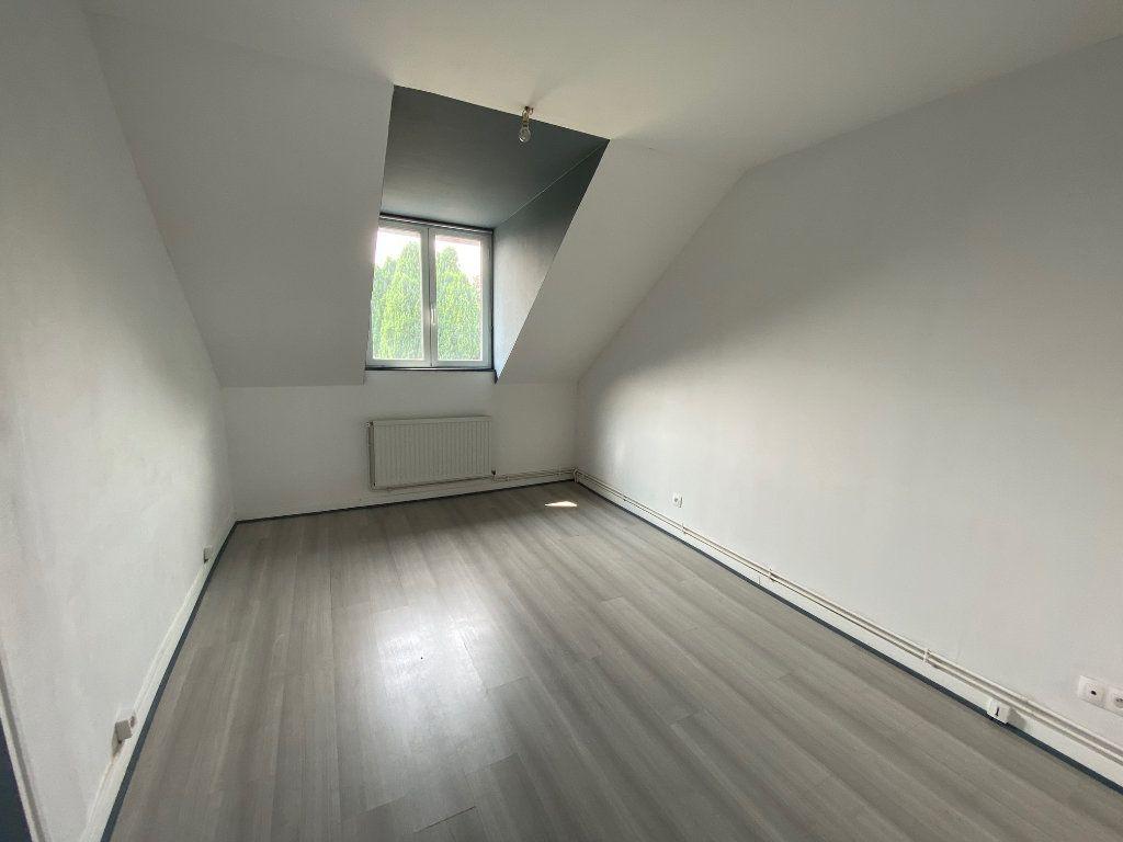 Maison à louer 3 65m2 à Chauny vignette-3