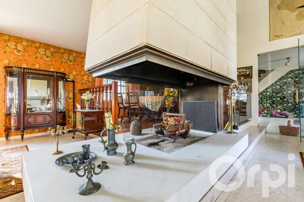 Maison à vendre 10 320m2 à Viry-Noureuil vignette-2