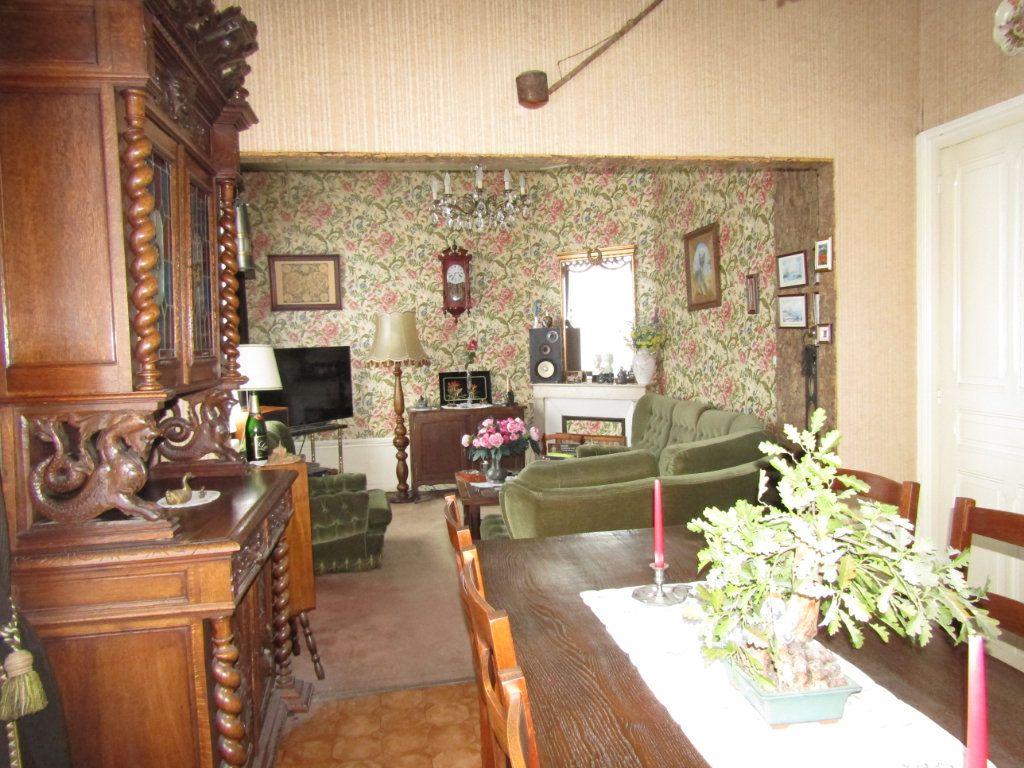 Maison à vendre 5 123m2 à Tergnier vignette-2