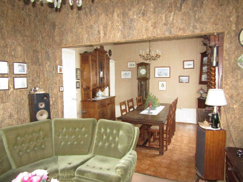 Maison à vendre 5 123m2 à Tergnier vignette-3
