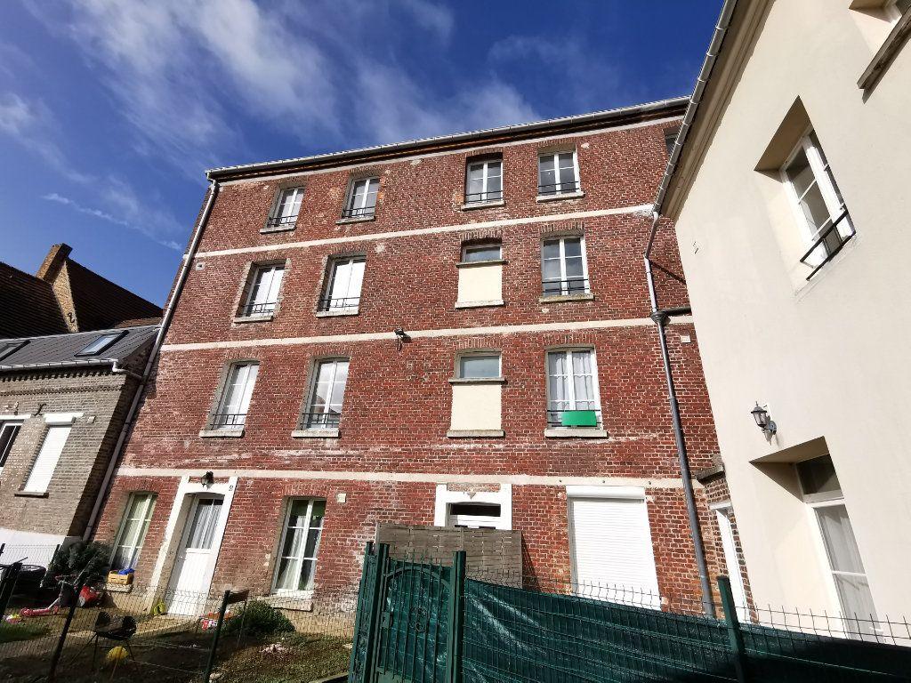 Appartement à vendre 3 37m2 à La Fère vignette-1