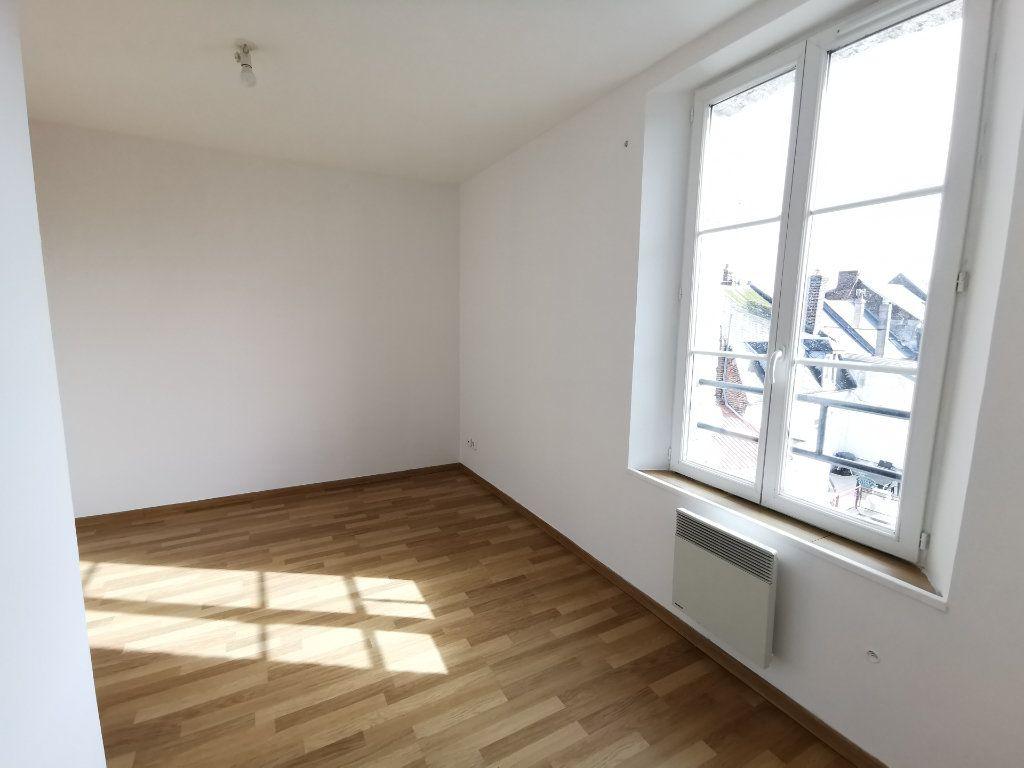 Appartement à vendre 3 37m2 à La Fère vignette-3