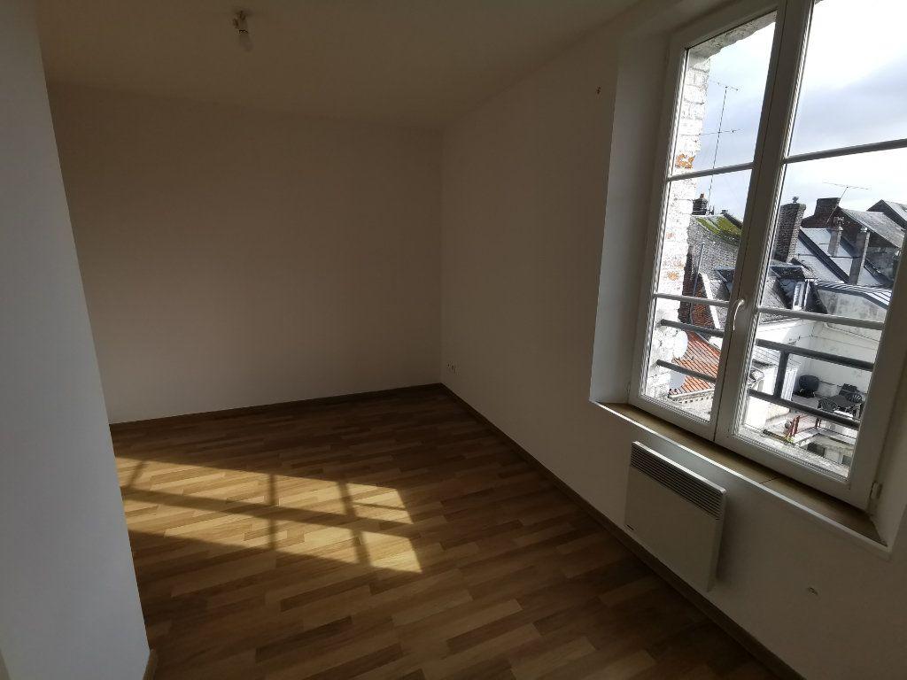 Appartement à vendre 3 37m2 à La Fère vignette-5