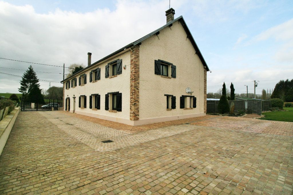 Maison à vendre 8 340m2 à Servais vignette-1
