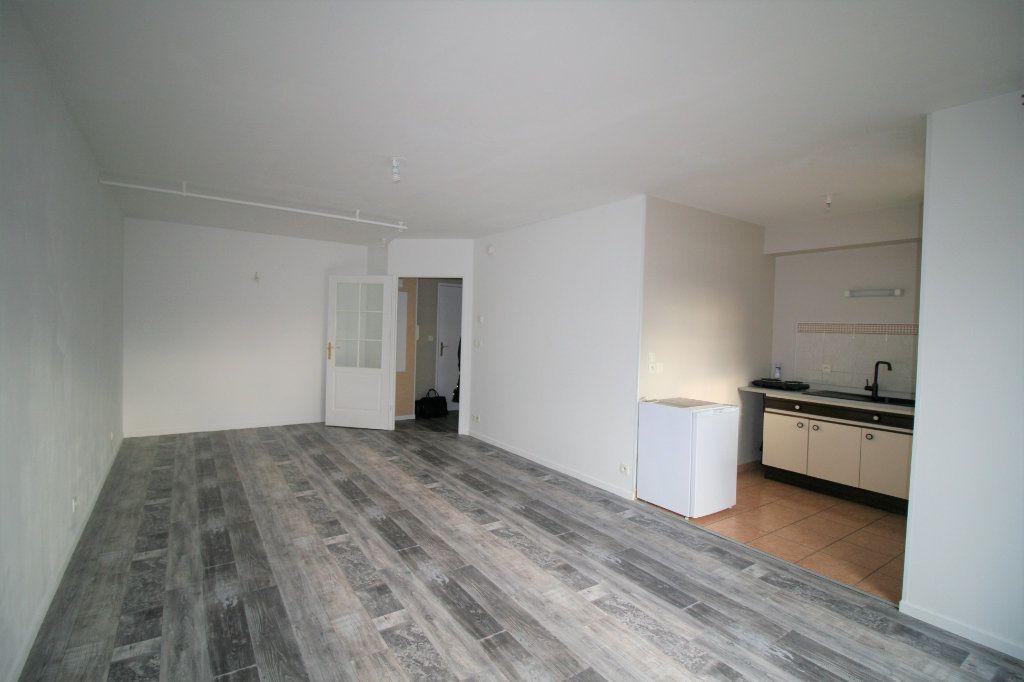 Appartement à vendre 1 40m2 à Chauny vignette-2