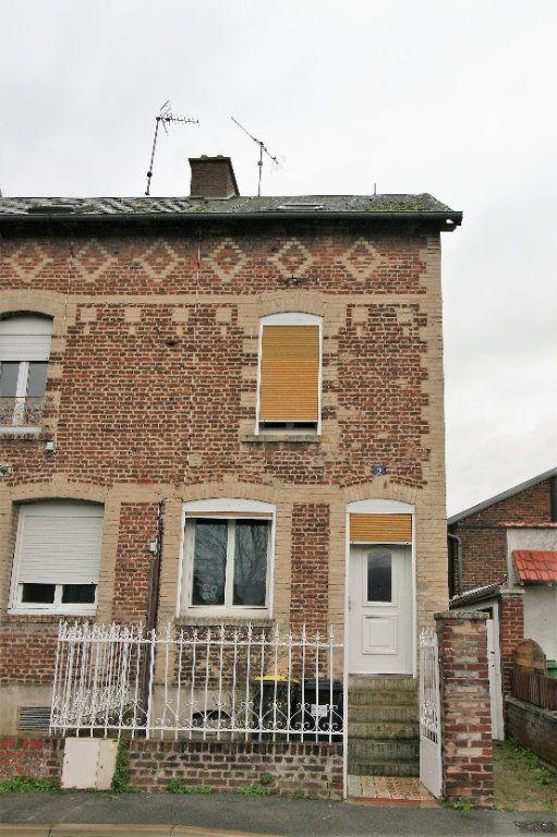 Maison à vendre 4 99m2 à Tergnier vignette-1