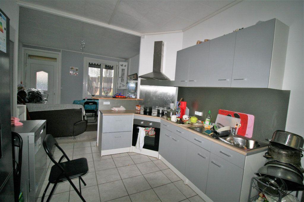 Maison à vendre 4 99m2 à Tergnier vignette-3